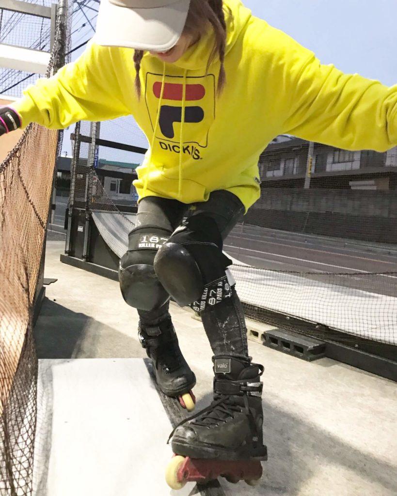 【アグレッシブには? ダンスにはどっちがオススメ?】インラインスケートとローラースケートの違いを徹底解説