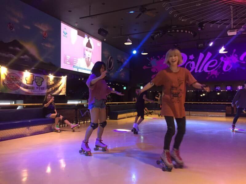 【韓国 ソウル】新林駅直結でアクセス良好! カラフルでかわいいローラースケート場 Roller Pang Pang(ローラーパンパン)ご紹介!