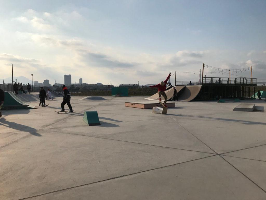 海沿いが心地良い! ボウルとストリートセクションが充実の延命寺臨海公園内の北九州スケートボードパークご紹介!
