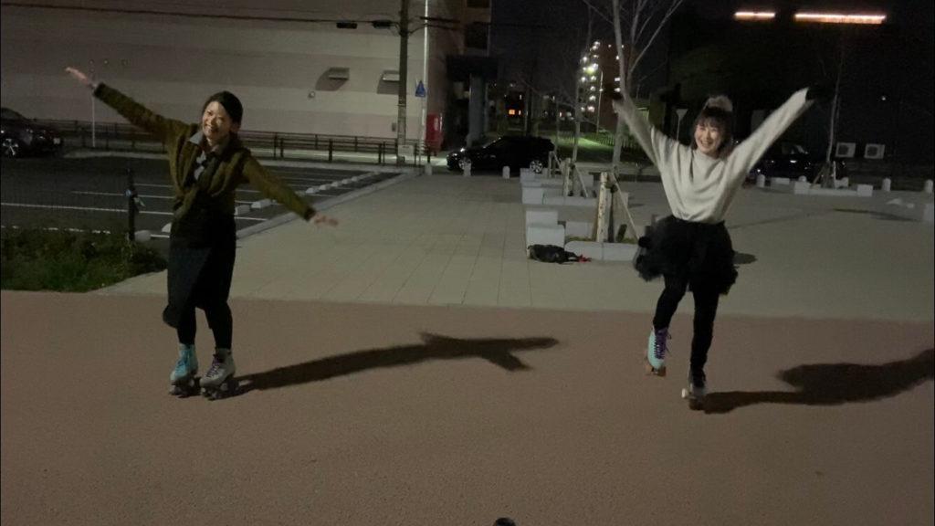 ローラーガールズのローラースケート練習