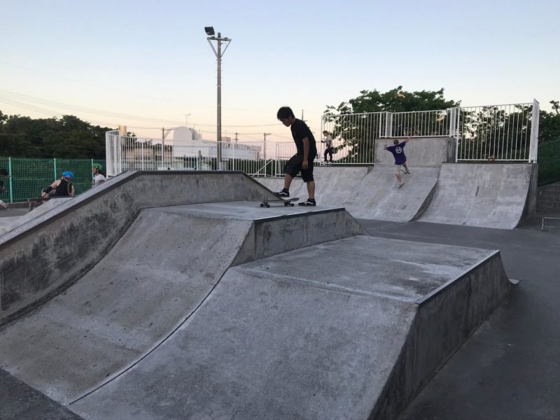 【九州 沖縄 うるま市】全面コンクリートで中級者〜上級者に特にオススメ! 具志川スケートボードパークのご紹介!